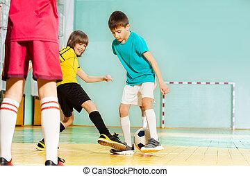 escuela, fútbol, vestíbulo, niños, deportes, juego, feliz