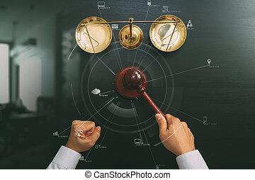 escuro, escala, justiça, macho, mão, conceito, topo, Juiz,  vr, madeira, diagrama, sala audiências,  Gavel, tabela, bronze, lei, vista