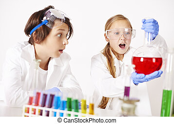 Little chemist during the unexpected experiment