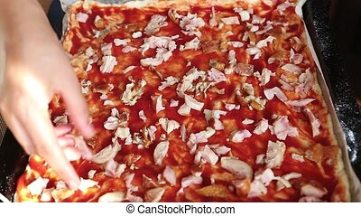 On the pizza put meat