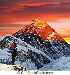 Mount Everest from Gokyo valley with tourist - Evening...