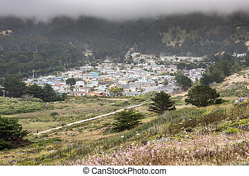 Vallemar neighborhood of Pacifica in a foggy summer day. -...