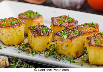 Potato fondant with garlic and herbs, delish simple meal