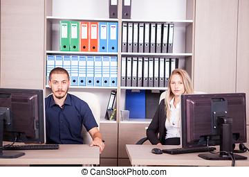 negócio, escritório, pessoas, computadores, jovem, seu, frente