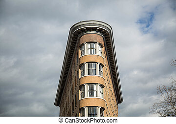 Unusual narrow building Vancouver Canada - Rounded roof...