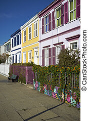 Paseo Atkinson in Valparaiso - Colourfully painted houses on...