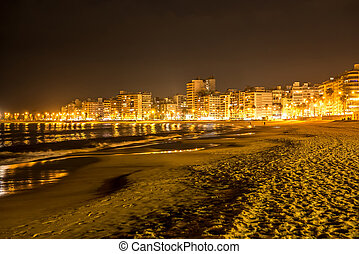 The beach in Montevideo in Uruguay at night - MONTEVIDEO,...