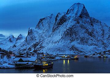Reine Village on the Lofoten Islands, Norway. - Reine...