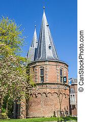 City gate Cellebroederspoort in historical Kampen,...
