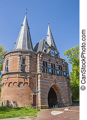 City gate Cellebroederspoort in historical Kampen,...
