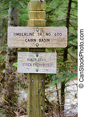 Sign post for trail 600 Cairn Basin in the Mt Hood National...