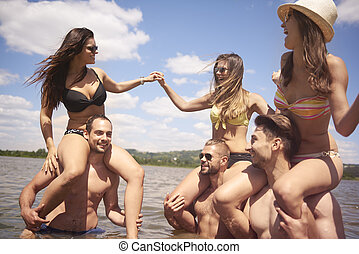 Party in the lake is great fun