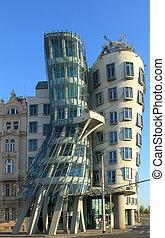 Praga, casa, bailando