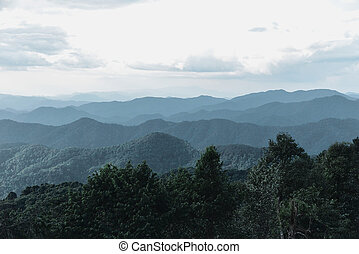 Mountains landscape from Kew Fin viewpoint in Chae Son...