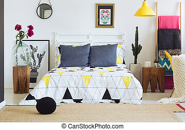 Bedroom decor with geometric pattern - Contemporary bedroom...