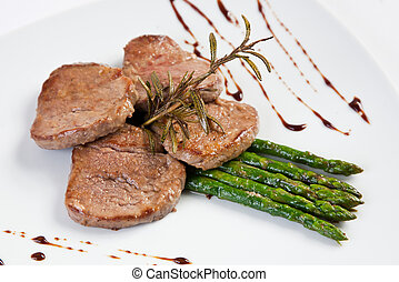Grilled fillet with asparagus