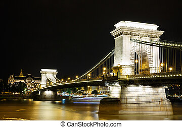 Night view of the famous chain bridge in Budapest