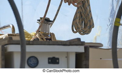 Hawser on Travelling Sailboat - Moving ropes and wahsers...