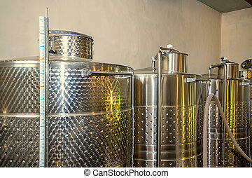 Fermentaion stainless tanks for wine production