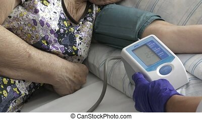 Measurement of blood pressure in patient