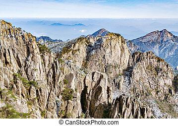 Peaks of Huangshan National park. - Peaks of Huangshan...