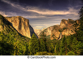 Yosemite Valley HDR - High Dynamic Resoluition of Yosemite...