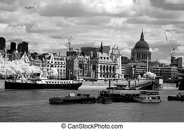 Thames, Blackfriars bridge and St Paul's cathedral