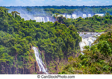 The fantastic Iguazu Falls - The fantastic roaring Iguazu...