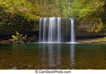 Upper Butte Creek Falls in Fall Season