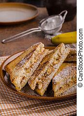 Peanut butter banana sandwich, great meal for breakfast