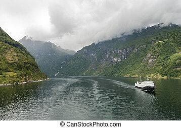Tourist attraction Geiranger fjord