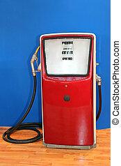 Vintage Fuel Pump - Vintage Red Fuel Pump Retro Decoration