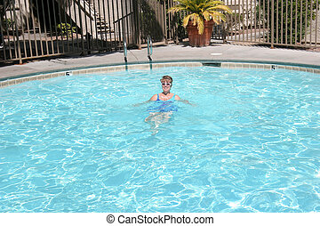 Swimming pool in Las Vegas NV - Cooling off in a pool in Las...