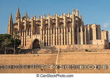 The cathedral of Palma de Majorca in the evening sun