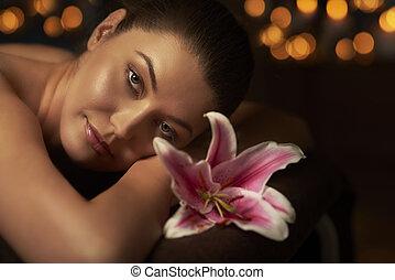 Nightlight massage at health spa