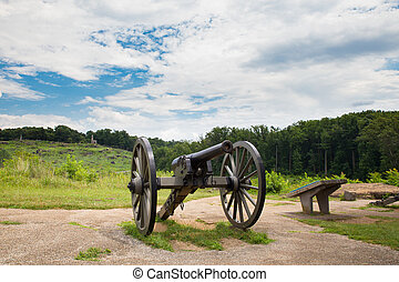 Gettysburg Cannon - Cannon at historic Gettysburg Military...