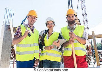 kolleger, arbete, plats, paus, tillitsfull, konstruktion, Framställ, Stående, under
