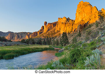 Crooked River and Monkey Face at Smith Rock
