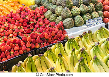 Fruit at the farmers market in Santiago