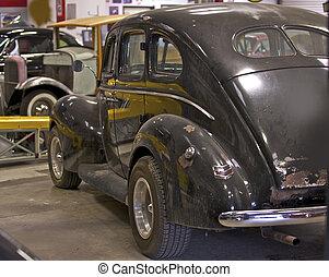 1940 Black Retro 3