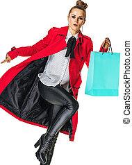 compras de mujer, chamarra, bolsa, elegante, rojo blanco