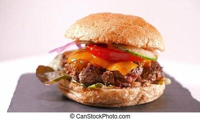 Big Cheeseburger - ready to eat