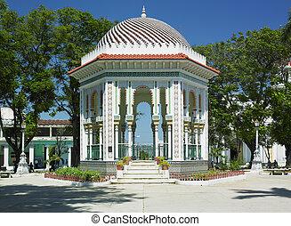 Parque Cespedes, Manzanillo, Cuba - summer house, Parque...