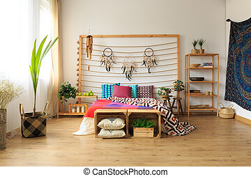 Apartment with ethnic bedroom - Roomy apartment with ethnic...