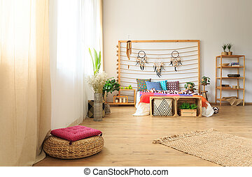 Bedroom with ethnic bed decoration - Roomy bedroom with...