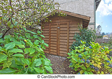 Shed in the garden - Condominium in Kirkland, WA. Large back...
