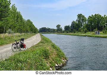 Canal Bacchelli (Cremona, Lombardy, Italy) - Canale...