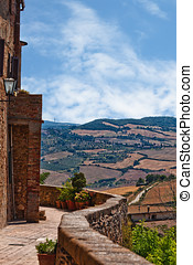 Rural countryside landscape in Tuscany region of Italy - Val...