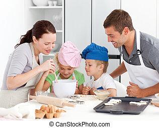 adorável, família, assando, junto, cozinha