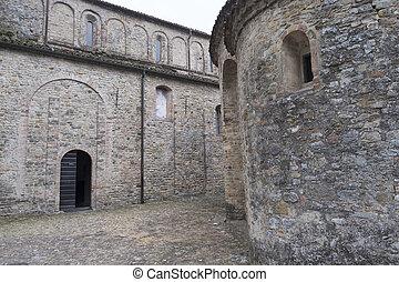 Vigolo Marchese (Piacenza, Italy): medieval church - Vigolo...